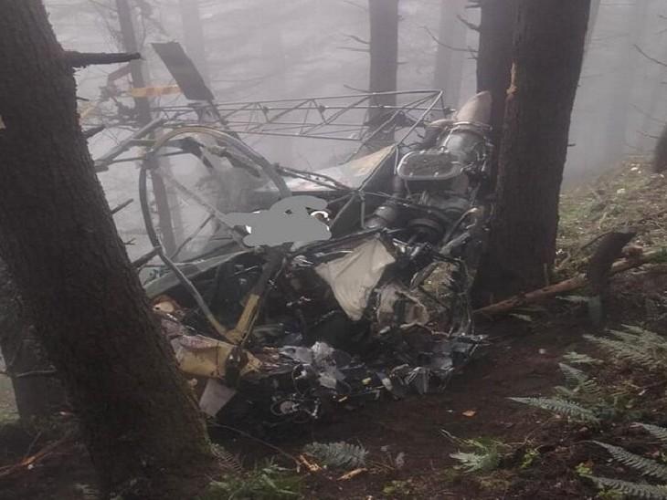 जम्मू में सेना का चॉपर क्रैश, पायलट और को-पायलट घायल; लोगों ने दोनों को खींचकर मलबे से बाहर निकाला देश,National - Dainik Bhaskar