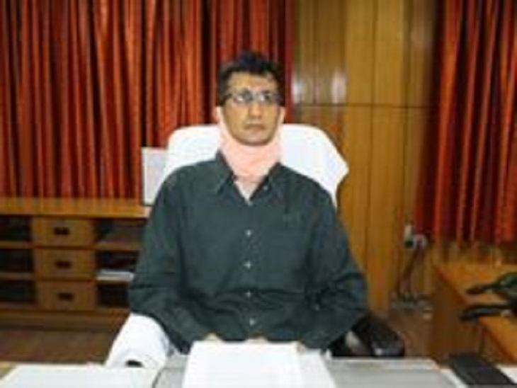 बोले - सभी का काटा जाएगा वेतन, कारण बताओ नोटिस जारी, कई जगह मिलीं गड़बड़ियां|आजमगढ़,Azamgarh - Dainik Bhaskar
