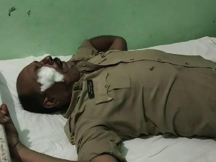 11 नामजद व 12 अज्ञात पर मुकदमा; पुलिस ने 8 को हिरासत में लेकर शुरू की पूछताछ|सुलतानपुर,Sultanpur - Dainik Bhaskar