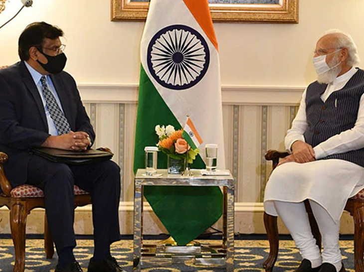 प्रधानमंत्री नरेंद्र मोदी के साथ जनरल एटॉमिक्स के CEO विवेक लाल।