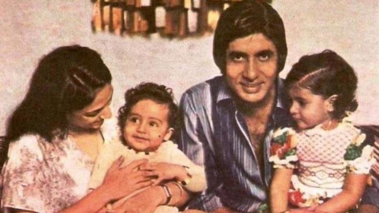 अभिषेक और श्वेता के साथ जया-अमिताभ बच्चन।