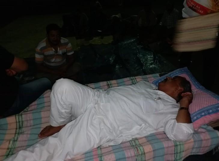 11 घंटे से नयापुरा थाने के बाहर प्रदर्शन जारी, दोषियों के खिलाफ सख्त कार्रवाई, 20 लाख की आर्थिक सहायता व पत्नी को सरकारी नौकरी देने की मांग कोटा,Kota - Dainik Bhaskar