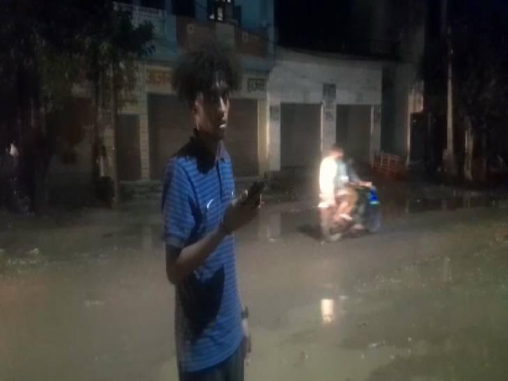 वीजा की अवधि बढ़वाने रोडवेज बस से जा रहे थे दिल्ली, चोरों ने लैपटॉप, मोबाइल और 20 हजार रुपए किए पार शामली,Shamli - Dainik Bhaskar