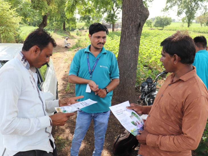 हर्षित बताते हैं कि हमारी टीम के लोग गांवों में जाकर किसानों से मिलते हैं। उनकी जरूरतों को समझते हैं और फिर उसका समाधान निकालते हैं।