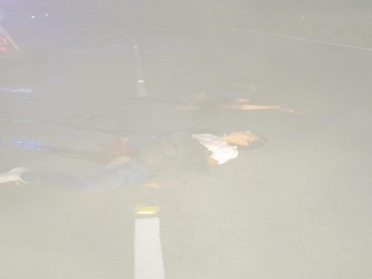 हादसे के बाद घटनास्थल पर पड़ा घायल पुलिसकर्मी।