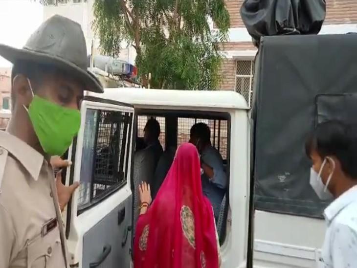 25 दिन पहले जोधपुर से प्रेमी के साथ भागी थी, मांगी सुरक्षा, एसपी ने छुड़वाया प्रेमी के ननिहाल, संबंधित थानों को दिए दोनों की सुरक्षा के निर्देश|बाड़मेर,Barmer - Dainik Bhaskar