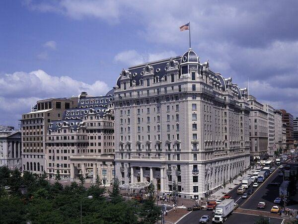 इस होटल में कुल मिलाकर 9 स्यूट्स हैं। इनमें से कम से कम पांच ऐसे हैं, जिनमें अमूमन राष्ट्राध्यक्ष ठहरते हैं। यहां आपको अब्राहम लिंकन और जॉर्ज वॉशिंगटन के नाम वाले स्यूट्स भी मिल जाएंगे।