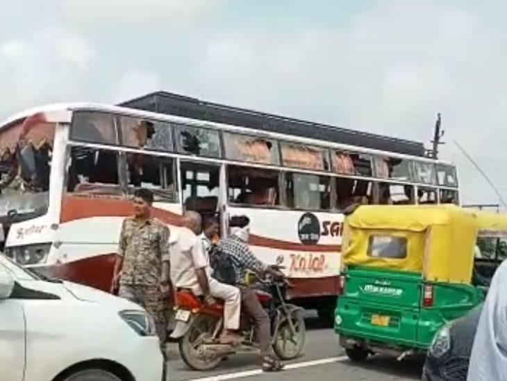 ग्वालियर-मुरैना के बाद भिंड में तनाव; गुर्जर समाज के युवकों ने 3 बसों में तोड़फोड़ की, फोर्स तैनात मुरैना,Morena - Dainik Bhaskar