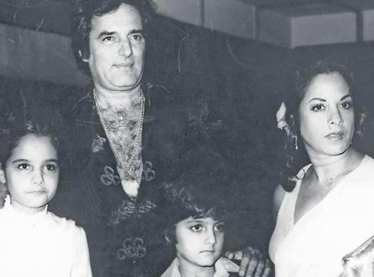 फिरोज खान की मैरिड लाइफ में हमेशाउथल-पुथलरही, शादीशुदा होते हुए किसी और से कर बैठे थे प्यार, बीवी-बच्चों से हो गए थे दूर|बॉलीवुड,Bollywood - Dainik Bhaskar