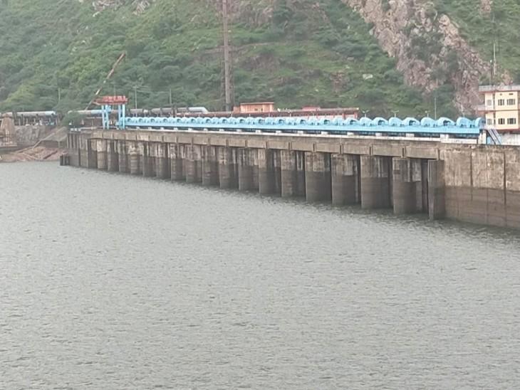 24 घंटे में आया 20 Cm पानी, शुक्रवार सुबह बांध का जलस्तर बढ़ कर हुआ 311.58 आरएल मीटर, अब तक बांध में आया 42 फीसदी पानी|टोंक,Tonk - Dainik Bhaskar