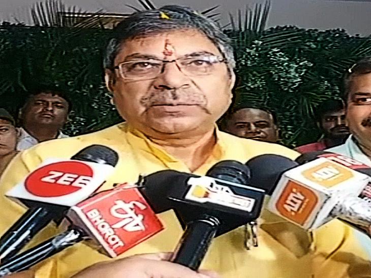 बोले- मंत्री पद की आस में विधायकों ने सूट सिलाए, ये भी हो सकता है टेलर का पैसा उधार ही रह जाए जयपुर,Jaipur - Dainik Bhaskar