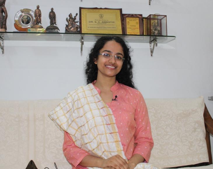 24 साल की जागृति ने मौलाना आजाद नेशनल इंस्टीट्यूट ऑफ टेक्नोलॉजी से इंजीनियरिंग की पढ़ाई की है।