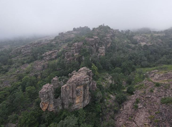 इस पहाड पर एक या दो बार अपडेट होते हैं।