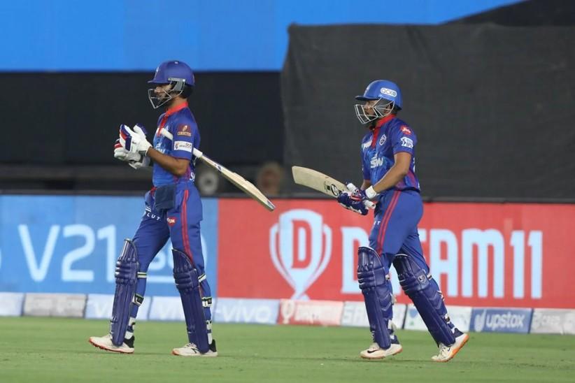 संजू सैमसन ने टॉस जीतकर किया गेंदबाजी का फैसला; आज मैच जीतने के साथ ही प्ले ऑफ में पहुंच जाएगी दिल्ली कैपिटल्स|IPL 2021,IPL 2021 - Dainik Bhaskar
