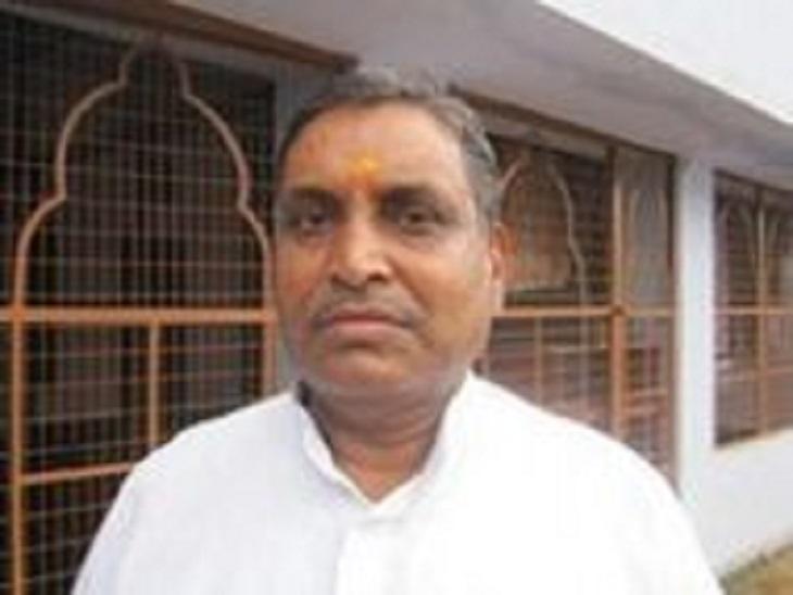 1992 से रामलला की पैरोकारी करते रहे त्रिलोकनाथ पांडेय,सर्वोच्च न्यायालय ने नियुक्त किया था रामलला का सखा, पिछले माह से टहलने में भी थी परेशानी|अयोध्या,Ayodhya - Dainik Bhaskar