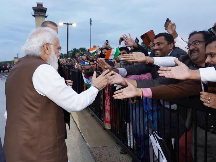 Indian-Americans looked very excited to meet Prime Minister Narendra Modi.  - Dainik Bhaskar