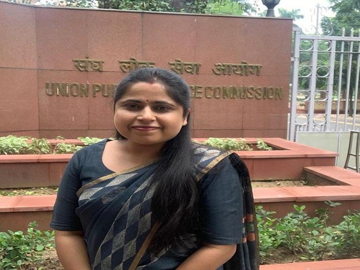 दिल्ली पुलिस में ACP है दीक्षा, कोरोना काल में ड्यूटी के बाद भीपढ़ाई के लिए निकाला टाइम, पहले भी 2 बार कर चुकी है एग्जाम फाइट|सीकर,Sikar - Dainik Bhaskar