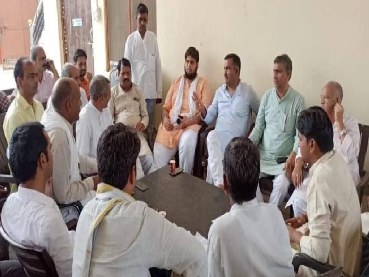 विधानसभा चुनाव की तैयारियों को लेकर होगी चर्चा, बड़ी संख्या में पहुंचेंगे कार्यकर्ता व जाट समुदाय के लोग हाथरस,Hathras - Dainik Bhaskar