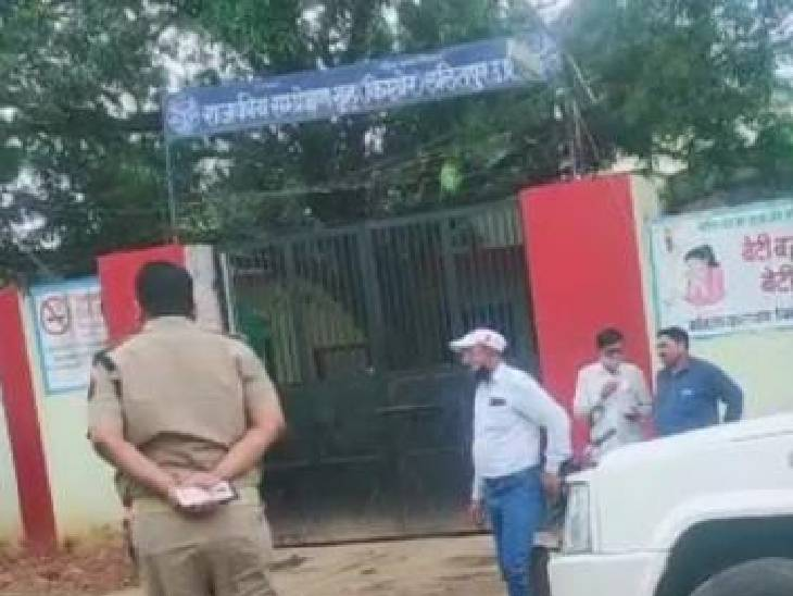 लापरहवाही बरतने पर एसपी ने की कार्रवाई, बाल संप्रेक्षण गृह से 5 बंदी भाग गए थे; 2 पकड़े गए, 3 की हो रही तलाश|ललितपुर,Lalitpur - Dainik Bhaskar