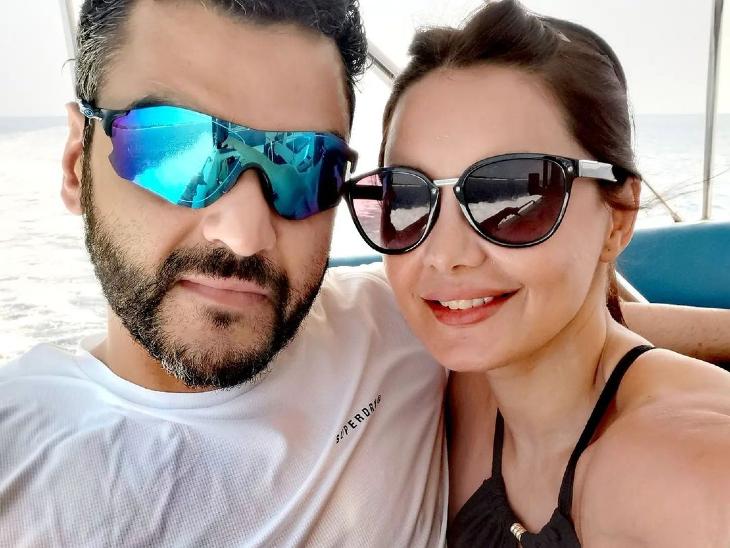 बॉयफ्रेंड आकाश मलिक के साथ लिव-इन रिलेशनशिप में रह रही हैं मिनिषा लांबा, बोलीं- यह एक रोमांचक, प्यारा और सुंदर अनुभव है|बॉलीवुड,Bollywood - Dainik Bhaskar
