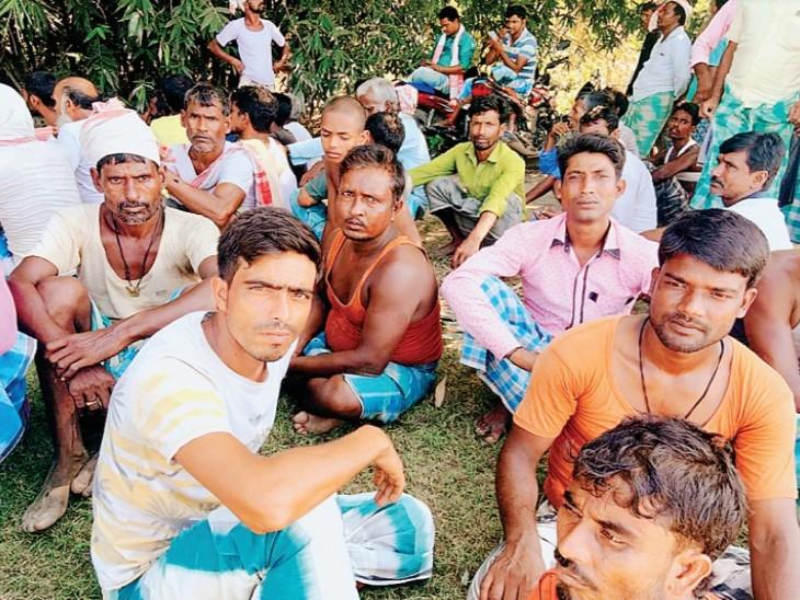 स्थानीय प्रशासन का दावा-77 हजार बीघा सरकारी जमीन पर अवैध कब्जा है। - Dainik Bhaskar