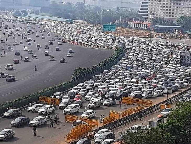 गुरुग्राम-दिल्ली सीमा पर भारी ट्रैफिक जाम देखा गया। दिल्ली पुलिस और अर्धसैनिक बलों के जवान भारत बंद के मद्देनजर लोगों की जांच-पड़ताल भी कर रहे हैं।