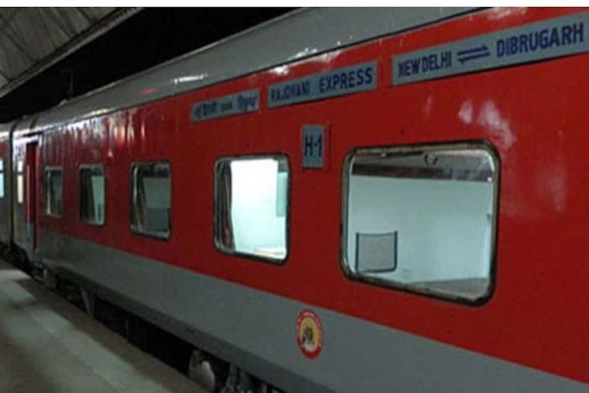 रेलवे ने एहतियातन आगरा मंडल में तीन ट्रेनों को रोका, यात्रियों को हो रही परेशानी, स्टेशन-रेलवे ट्रैक पर आरपीएफ अलर्ट, बंद के समर्थन में सड़क पर उतरे सपाई|आगरा,Agra - Dainik Bhaskar