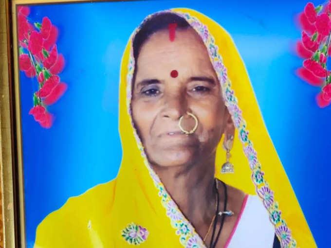 गीताबाई की कोरोना के मौत के बाद नारायण ने ठान लिया था कि मंदिर बनवाकर पत्नी की यादों को जिंदा रखेंगे।