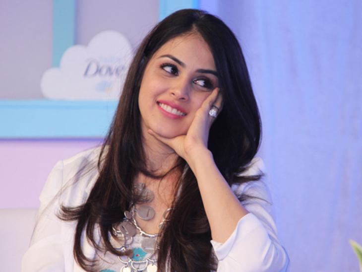अरबाज खान के टॉक शो में जेनेलिया डिसूजा को यूजर ने ट्रोल कर लिखा- बेशर्म, चीप और वल्गर आंटी हमेशा ओवरएक्टिंग करती है|बॉलीवुड,Bollywood - Dainik Bhaskar