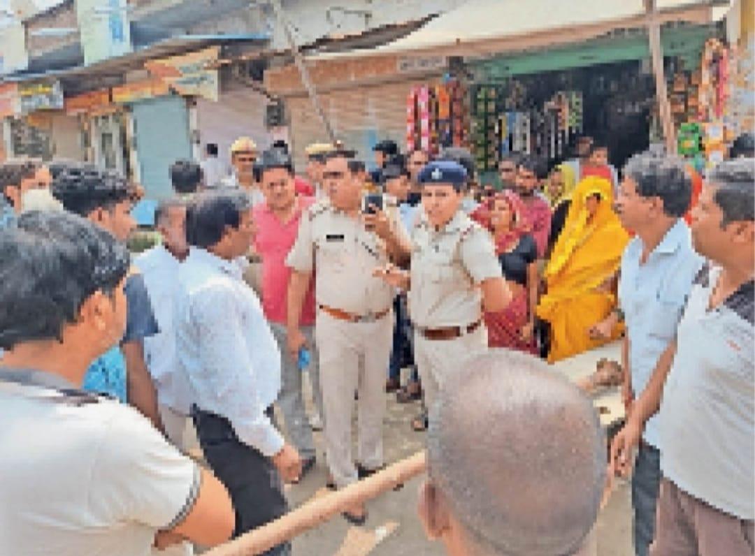 टूटी सड़क को लेकर CIA मोड़ कर दिया था ब्लॉक; आरोपियों में 11 नामजद, पिछले 2 महीने से रोड पर चल रहा विवाद|रेवाड़ी,Rewari - Dainik Bhaskar