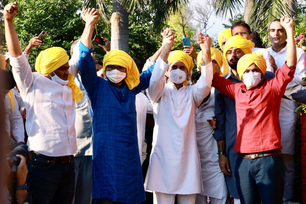 कांग्रेस में शामिल होने से पहले कन्हैया और जिग्नेश राहुल गांधी के साथ भगत सिंह के जयंती कार्यक्रम में पहुंचे।