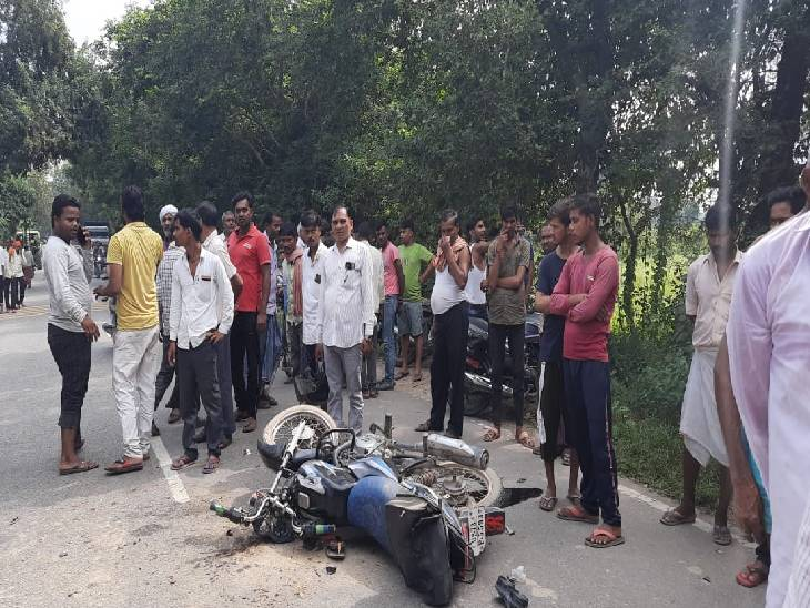 बाइक से मां को लेकर अंतिम संस्कार में शामिल होने जा रहा था, चार पहिया वाहन ने मारी टक्कर, नहीं पहन रखा था हेल्मेट कौशांबी,Kaushambi - Dainik Bhaskar