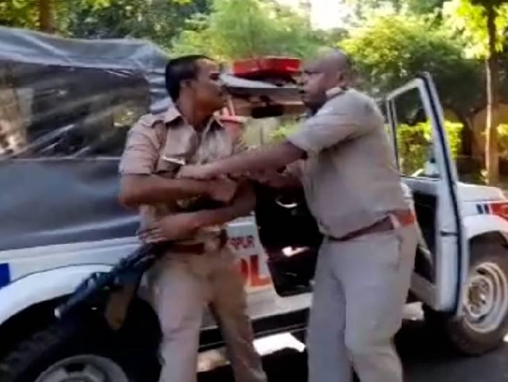 कहासुनी के बाद बरसाए लात-घूसे, तान दी राइफल; एसपी ने सीओ सदर को दिए जांच के आदेश|हमीरपुर,Hamirpur - Dainik Bhaskar