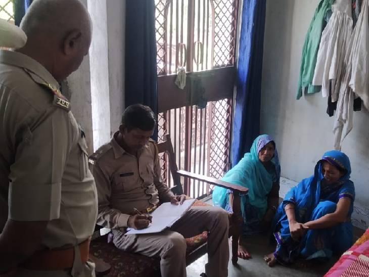 रात में नशे की हालत में घर आया था, सुबह पत्नी ने फांसी पर लटकते देखा|देवरिया,Deoria - Dainik Bhaskar