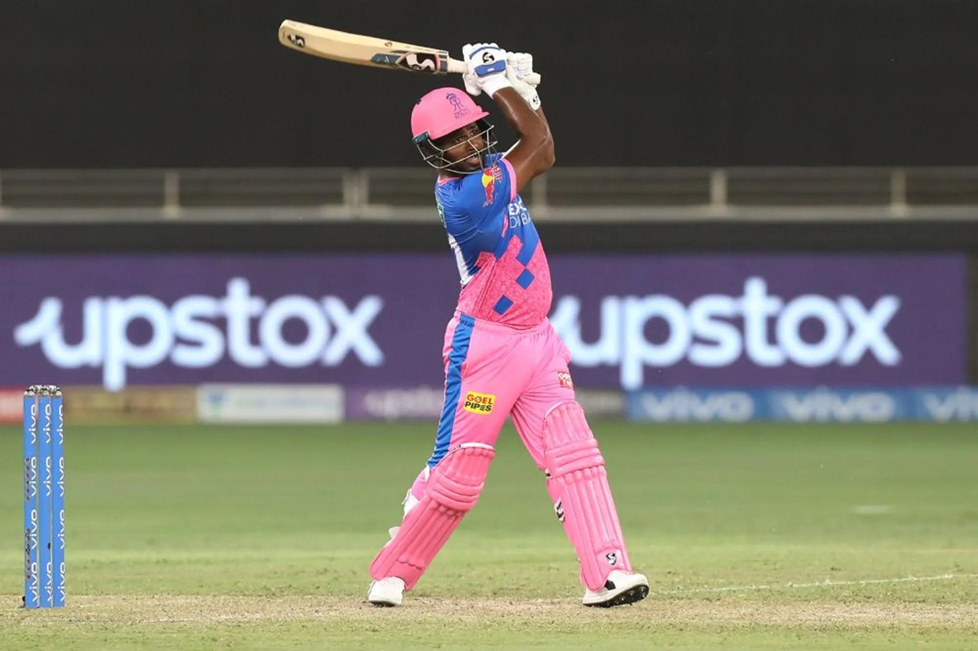 संजू सैमसन को इस मुकाबले की अहमियत मालूम थी। वे दूसरे ओवर की दूसरी गेंद पर बैटिंग करने आ गए थे। तब से लेकर 20वें ओवर की दूसरी गेंद तक वे क्रीज पर डटे रहे। सैमसन ने 16वें ओवर में सिद्धार्थ कौल की बॉलिंग पर 2 छक्के और 2 चौके जड़कर 20 रन लिए। फिर 17वें ओवर में भुवनेश्वर को चौका जड़ा। तब उनके शॉट को देखकर कमेंट्रेटर इतने खुश हुए कि उनके मुंह से निकला- ओए-होए-होए...। संजू 20वें ओवर में स्ट्रगल करते दिखे। इस ओवर में उनसे एक भी बाउंड्री नहीं लगी। 20 रन देने वाले सिद्धार्थ कौल ने उन्हें आउट कर दिया।