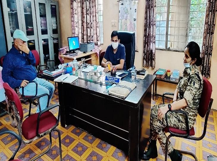 दैवीय दीपक सोनी ने एडीएम अगंव के लिए पांच सदस्यीय जांच टीम पूरी तरह से पूरा किया।