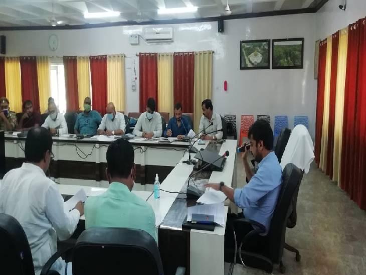 10 ओडीओपी में 27 युवाओं को मिली सुविधा, मुख्य विकास अधिकारी मौके पर रहे मौजूद|श्रावस्ती,Shrawasti - Dainik Bhaskar