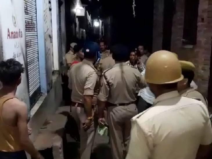 27 सितंबर को बच्ची से छेड़छाड़ पर हुआ था विवाद, आरोपियों ने ताबतोड़ फायरिंग कर दी; पुलिस ने एक आरोपी को किया गिरफ्तार|कासगंज,Kasganj - Dainik Bhaskar