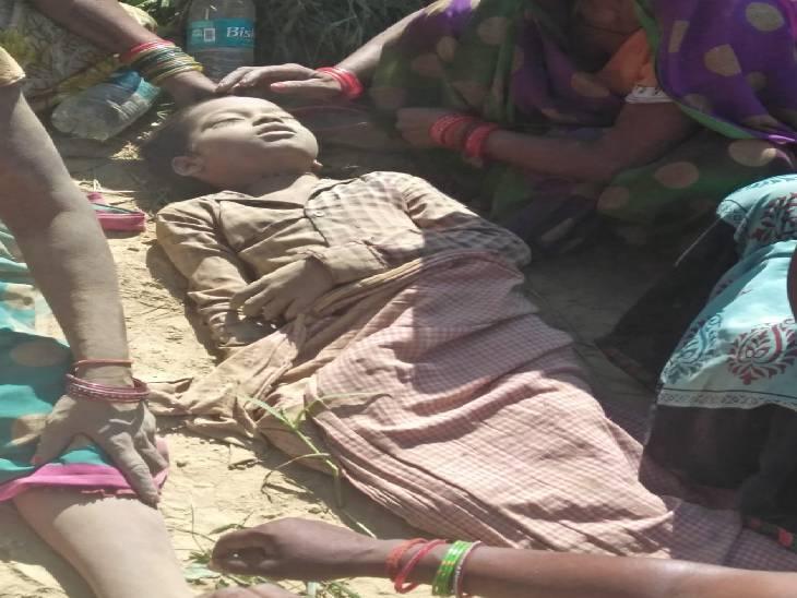 गुस्साए परिजनों ने लगाया जाम, पुलिस के साथ की मारपीट; 25 लाख के मुआवजे की कर रहे मांग|शाहजहांपुर,Shahjahanpur - Dainik Bhaskar