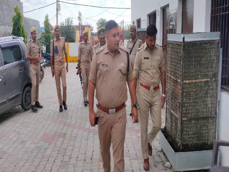 एसपी ने शुरू की कवायद, आस्थाई रूप से बनी चौकियों का किया निरीक्षण|संभल,Sambhal - Dainik Bhaskar