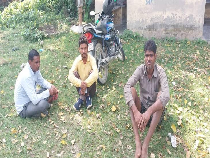 खेलते समय घर से हो गया था गायब, गड्ढे में उतराता हुआ मिला|पीलीभीत,Pilibheet - Dainik Bhaskar