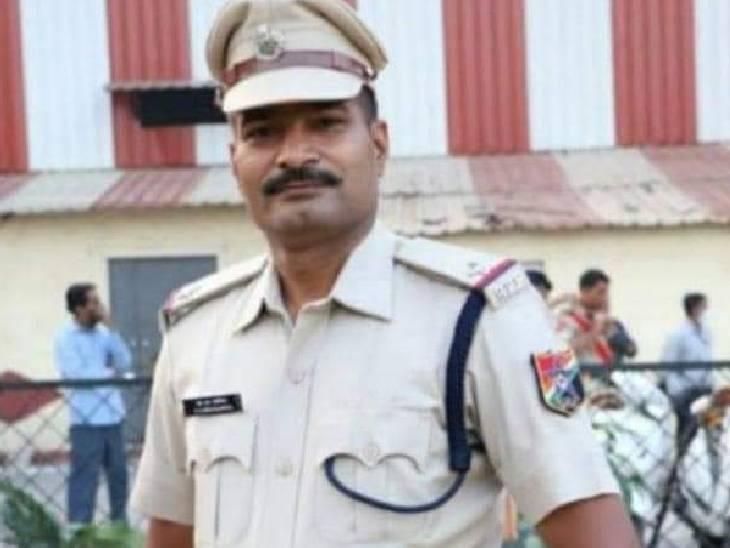 रेलवे ट्रैक पर मिला था शव, पिता ने कहा- कई अपराधी बन गए थे दुश्मन, जताई हत्या की आशंका; सीएम योगी से की CBI जांच की मांग|हमीरपुर,Hamirpur - Dainik Bhaskar