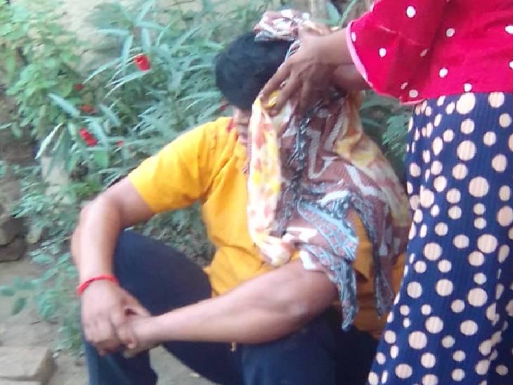 दोनों परिवारों के बीच चल रहा था जमीनी विवाद, पुलिस की मौजूदगी में हो गई मारपीट, चार घायल|रायबरेली,Raibareli - Dainik Bhaskar
