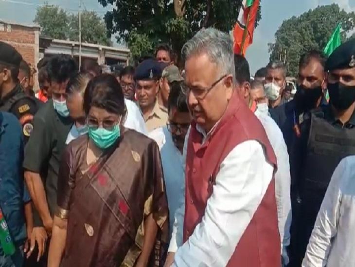 रमन सिंह ने कोसंबुड़ा में वनरोपण भी किया।