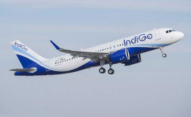 आगरा-लखनऊ फ्लाइट सेवा शुरू पहले दिन लखनऊ से 32 यात्री आए, आगरा से 25 यात्रियों ने लखनऊ के लिए भरी उड़ान|आगरा,Agra - Dainik Bhaskar