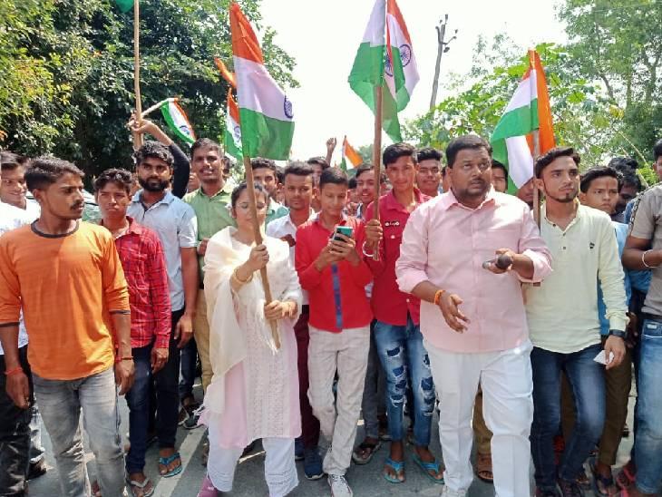 गांधी जयंती पर भाजपा ने पदयात्रा निकाल देश सेवा का दिया संदेश, सपा कार्यालय पर याद किए गए बापू और शास्त्री|कन्नौज,Kannauj - Dainik Bhaskar