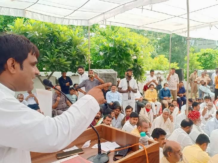 ग्रेटर नोएडा में हुई गुर्जरों की कोर कमेटी की बैठक, कहा- 30 अक्टूबर तक समाज से माफी मांगें CM और भाजपा नेता|गौतम बुद्ध नगर,Gautambudh Nagar - Dainik Bhaskar