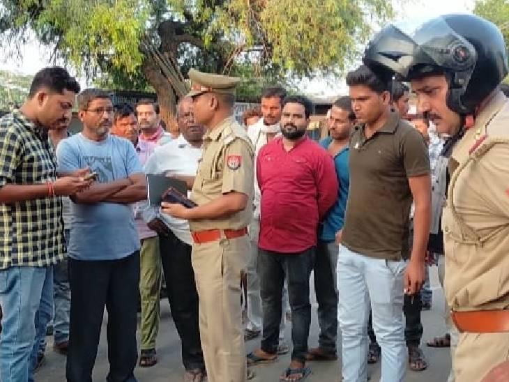 ट्रक के नीचे दबकर देवर-भाभी की मौत, अनियंत्रित ट्रक ने युवक को मारी टक्कर|हमीरपुर,Hamirpur - Dainik Bhaskar