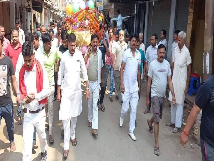 हरदोई में लालन शर्मा 3 बार विधायक व एक बार रहे थे एमएलसी, मेंहदी घाट पर किया गया अंतिम संस्कार हरदोई,Hardoi - Dainik Bhaskar