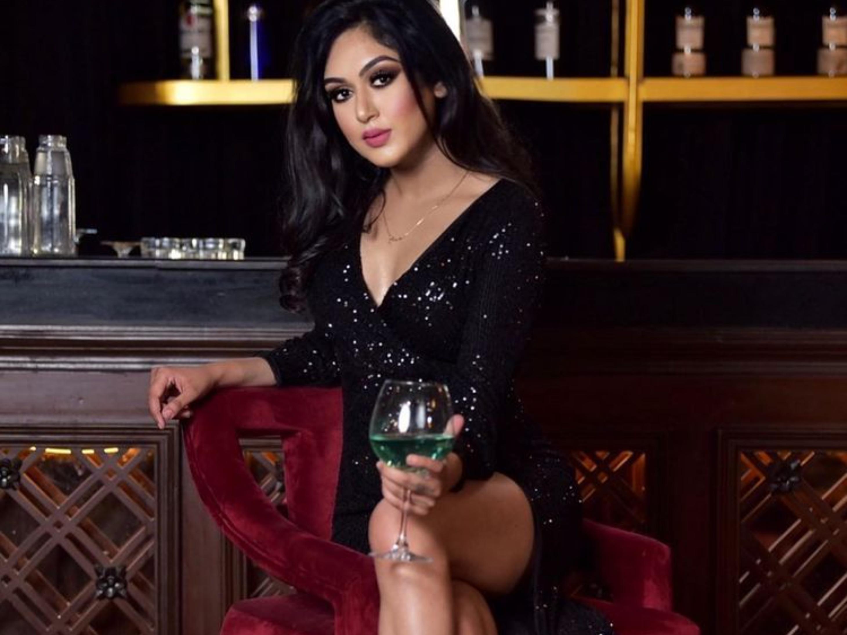 बिन मां-बाप की बेटी हैं मॉडल मुनमुन धमीचा; कभी अलाया एफ के साथ रिलेशन में थे अरबाज मर्चेंट लेकिन अब सुहाना के क्लोज हैं|बॉलीवुड,Bollywood - Dainik Bhaskar